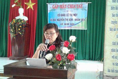 Liên hoan chia tay cô giáo Lê Thị Một và nhân viên Nguyễn Thị Xem về hưu